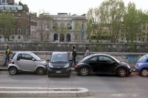 Italy: Phạt tù tài xế đậu xe sai quy định