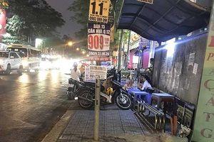 Trạm xe buýt trở thành nơi bán đồ ăn