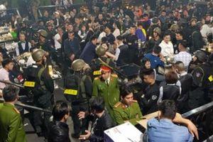Vụ 100 người 'phê' ma túy trong quán bar: Xử phạt gần 190 triệu đồng