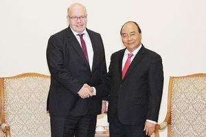 Thủ tướng Nguyễn Xuân Phúc tiếp Bộ trưởng Kinh tế và Năng lượng CHLB Đức; Tổng Giám đốc Tập đoàn Đầu tư Dubai (UAE); Tổng Giám đốc điều hành Tập đoàn VISA (Hoa Kỳ)