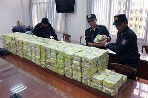 Khởi tố bốn đối tượng trong đường dây vận chuyển hơn 300 kg ma túy