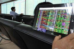 Thêm nhiều nhà đầu tư mua bán chui cổ phiếu bị phạt