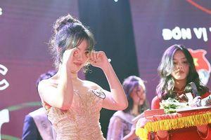 Quán quân Việt Đức's Star bật khóc dễ thương trong phút đăng quang