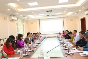Đoàn lãnh đạo các cơ quan báo chí Lào thăm và làm việc tại Báo Xây dựng