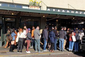 Uống Starbucks ở Seattle, nhớ 'vua' cà phê Việt