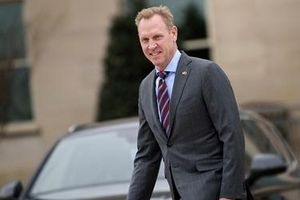 Quyền Bộ trưởng Quốc phòng bị điều tra về mối quan hệ với Boeing