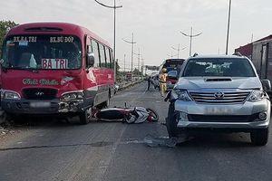 Hai vụ tai nạn liên tiếp giữa xe máy và ô tô, 4 người thương vong