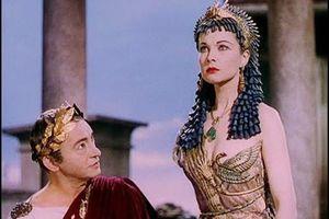 Caesar từng ngủ với một vua khác, có con với nữ hoàng Cleopatra