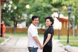 Danh ca Giao Linh tiết lộ ông xã rất hâm mộ giọng hát... Chế Linh