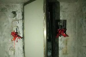 Cảnh sát kinh hoàng khi phát hiện căn hầm giam nữ sinh làm nô lệ tình dục của gã tài xế