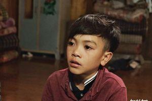 Cậu bé Sơn La đạp xe hơn 100km xuống Hà Nội chịu ngủ cống để gặp em