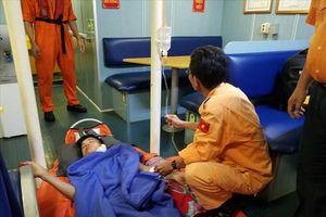 Cấp cứu kịp thời thuyền viên bị thương nặng ở cổ