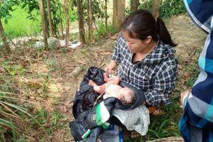 Bé gái sơ sinh bị bỏ rơi ven cánh đồng ở Thanh Hóa