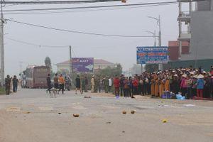 Khởi tố vụ xe khách tông vào đoàn đưa tang khiến 7 người tử vong