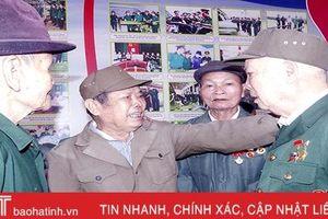 Xúc động ngày gặp lại của các chiến sỹ nhập ngũ đầu tiên ở Hà Tĩnh