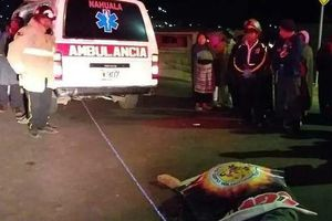 Đứng xem tai nạn trên đường cao tốc, 32 người bị xe tải tông chết
