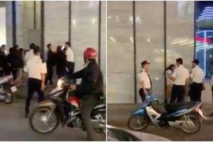 Cô gái xinh đẹp bị nhiều phụ nữ lột váy đánh tới tấp ở Hà Nội làm đơn trình báo công an
