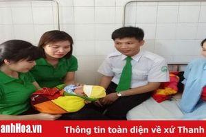 Thêm một 'Ông đỡ mát tay' là lái xe taxi Mai Linh