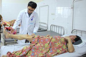 6 tiếng phẫu thuật cứu bệnh nhân vỡ dập tủy cổ, liệt tứ chi