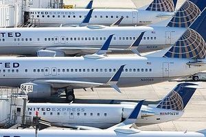 Thêm một máy bay Boeing 737 phải hạ cánh khẩn cấp