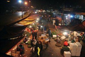 Hà Nội: Bắt nghi phạm dùng súng cướp tài sản ở chợ Long Biên