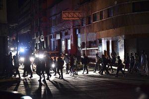 Thêm nhiều thành phố lớn ở Venezuela mất điện