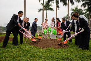 Hà Nội tiếp nhận cây hoa anh đào từ Hiệp hội Hoa anh đào Nhật Bản