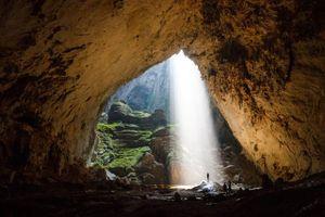 Chuyên gia hang động thế giới lặn thám hiểm bí ẩn trong hang Sơn Đoòng