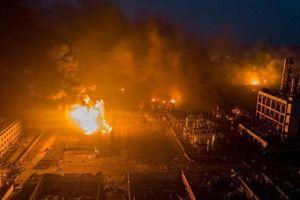 Chưa hoàn hồn vụ nổ hóa chất, nhà máy Trung Quốc lại nổ gây chết người