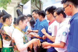Ngày hội giao lưu văn hóa Việt Nam - Lào - Campuchia