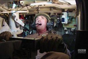 Ngỡ ngàng thiết kế khoang lái xe tăng hiện đại: Chật, nóng!