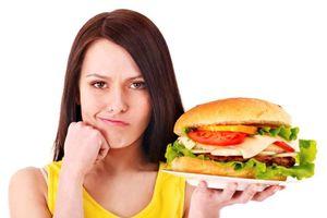 Dừng ngay việc ăn quá nhanh nếu không muốn 'tàn phá' sức khỏe