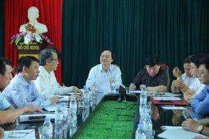 Bộ trưởng Phùng Xuân Nhạ làm việc với Trường THCS Phù Ủng về vụ học sinh bị bạo hành