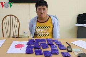 Đối tượng buôn bán ma túy chống trả quyết liệt vẫn không thoát
