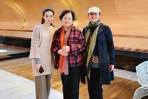 Gia đình 'Hoàn Châu cách cách' hội ngộ riêng