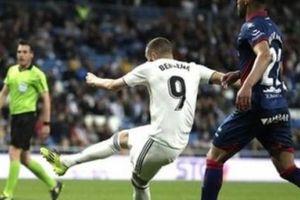 'Chân gỗ' Benzema lập siêu kỷ lục khiến Ronaldo, Messi phải bái phục