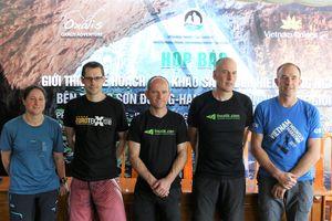 Chuyên gia giải cứu đội bóng nhí Heo Rừng đến Quảng Bình lặn sông ngầm
