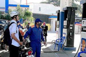 Xăng dầu đồng loạt tăng giá mạnh, xăng RON95 vượt 20.000 đồng/lít