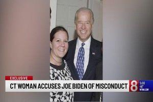 Cựu phó tổng thống Mỹ liên tiếp bị tố có hành động khiếm nhã