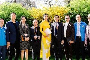 Ngọc Hân diện áo dài khi sang Pháp dự 'Diễn đàn người Việt có tầm ảnh hưởng'