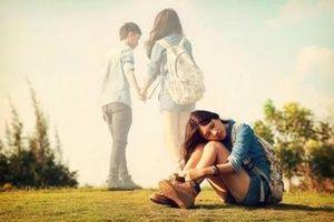 Người yêu 'ngã' vào mối tình đầu