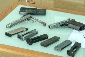 Nhóm tội phạm nguy hiểm tàng trữ 7 khẩu súng