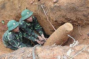 Việt Nam cần hàng trăm năm mới làm sạch hoàn toàn bom mìn