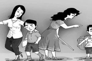 Trẻ bắt nạt và bị bắt nạt - thấy gì từ giáo dục gia đình? (1): Khi bố mẹ vô tình dạy con bạo lực
