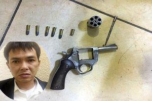 Khởi tố, bắt tạm giam đối tượng nổ súng cướp tiền tại chợ Long Biên