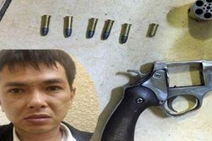Tin nóng vụ nổ súng cướp tiền ở chợ Long Biên