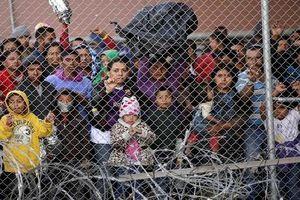 Khốn khổ cuộc sống di dân bị 'nhốt' ở biên giới Mỹ-Mexico