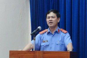 Nguyên Phó Viện trưởng VKSND TP.Đà Nẵng nói gì về clip cưỡng hôn bé gái lớp 2 trong thang máy?
