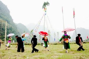 Tháng 4 rực rỡ 'Sắc màu các dân tộc Việt Nam'