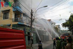 Cháy nhà ở trung tâm Đà Lạt khiến nhiều khách du lịch hoảng hốt
